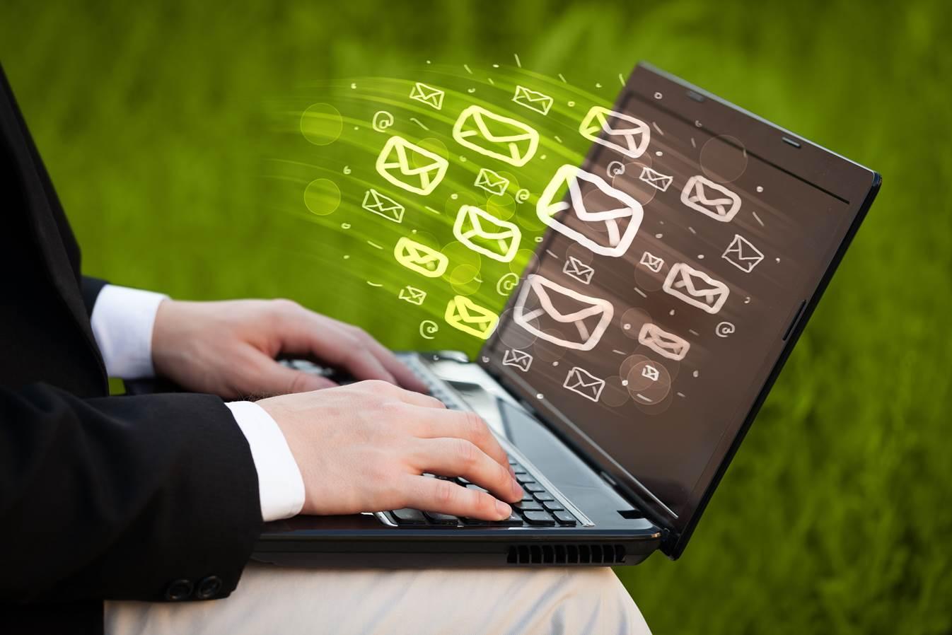 メルマガの基本:HTMLメールとテキストメールのメリット・デメリットを理解しよう