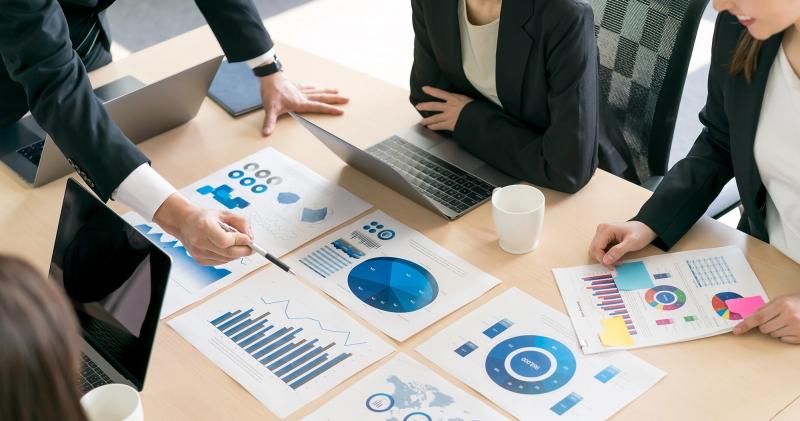 マーケティングリサーチとは?市場調査との違い、手順、手法、事例などまとめました!
